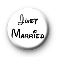 Just Married Cartoon Font badge