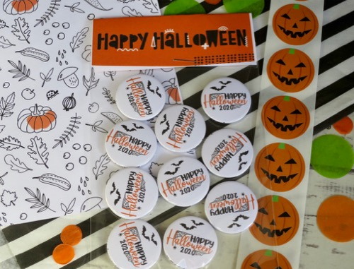 Happy Halloween button badges
